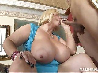 Two Sexy Busty BBW MILFS Fuck Hot Stud