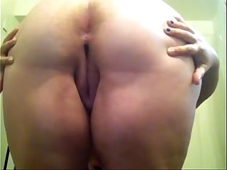Cute White BBW Spreads Her Ass For All To See Her Cute Asshole