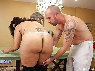 BBW MILF Sofia Rose Plays Beer Pong For Sex