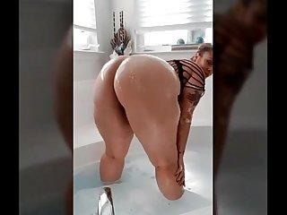 sexy thick bbw from BBWCurvy .com