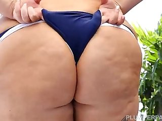 Alt BBW Babe Sara Star Fucks Guy By Pool