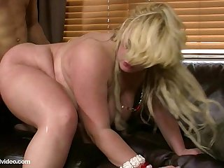BBW Amateur Summer Sinn Loves to Fuck Big Dicks