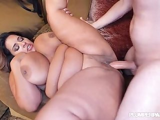 Sexy Sofia Rose Gets Deep Massage N Fuck AT BBWCon