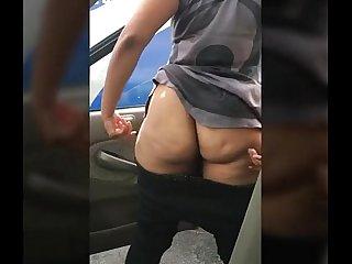 Big booty in public