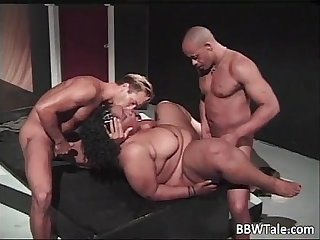 Big fat cute ebony slut blows cock