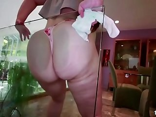 Fat ass Lily Sincere