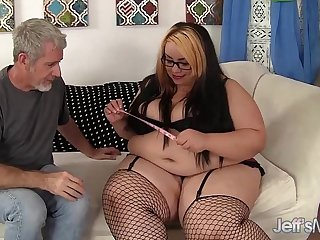 Chubby beauty Mia Riley hardcore fucking