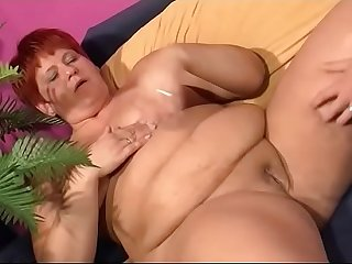 Fat chick fucks her husband - Ehefrau will sex vom Mann - german